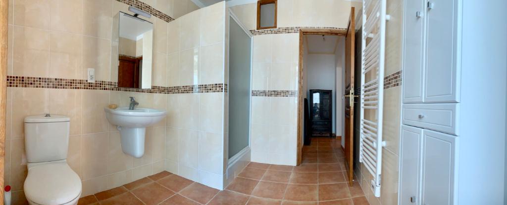 Bastia hyper-centre Location Appartement de caractère Climatisé 3 pièces - 99 m2 - 2 salles-de-bains 2 wc - Cuisine équipée - Ascenseur