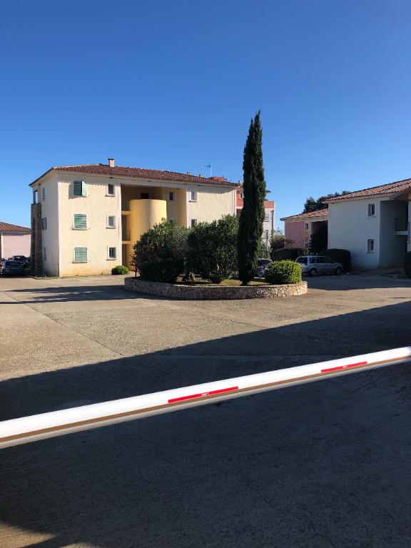 VESCOVATO Lieudit A TORRA à louer bel appartement T2 avec terrasse et place de parking privative