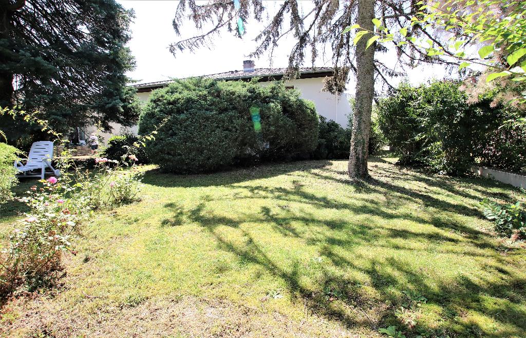 Maison 5 pièces 114 m² sous-sol complet garage sur parcelle de 8 ares à vendre à  COURCELLES-CHAUSSY