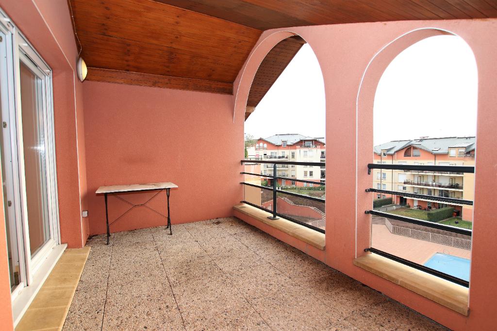 Appartement 5 pièces 102 m² (107m² au sol) 3 chambres terrasse garage 2 véhicules à vendre à METZ Vallières
