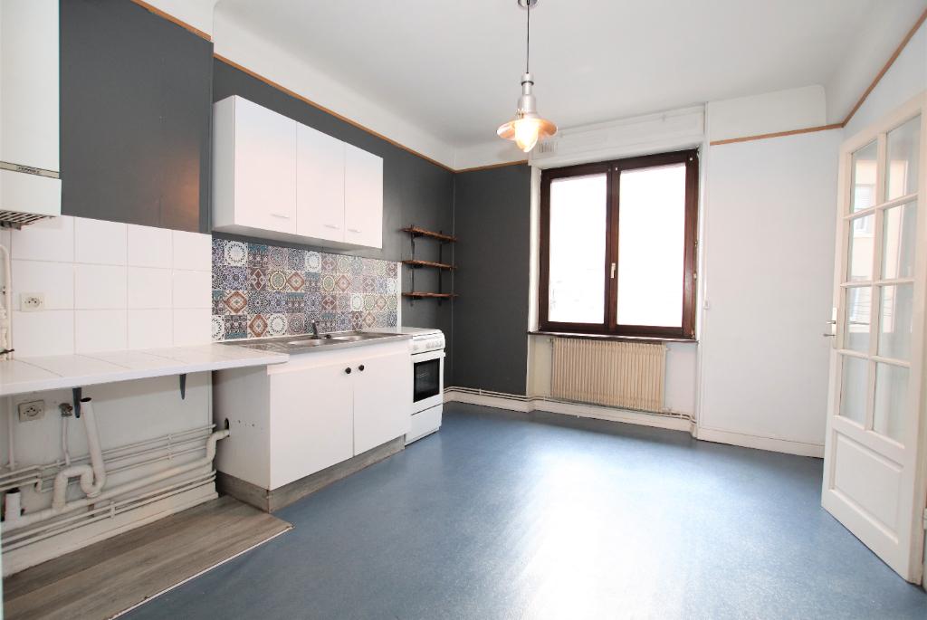 Appartement 2 pièces 45 m² 1 chambre cave avec jardin commun à louer à METZ Sablon