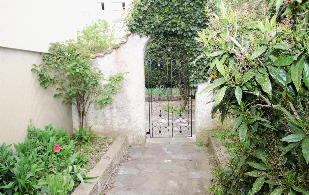 Maison 4 pièces 90 m² bien tenue 2 chambres sous-sol complet sur parcelle de 3,50 ares à vendre à METZ SABLON