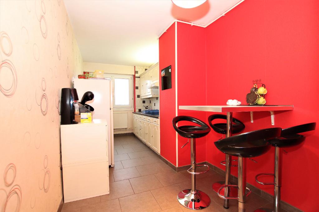 Appartement 3 pièces 67 m² 2 chambres avec cave et stationnement en sous-sol à vendre à METZ Sablon