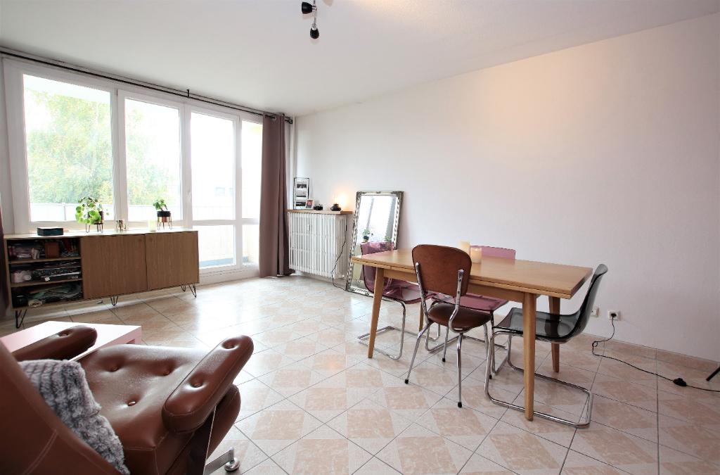 Appartement 2 pièces 47 m² 2 balcons parking à Vendre à METZ Route de LORRY