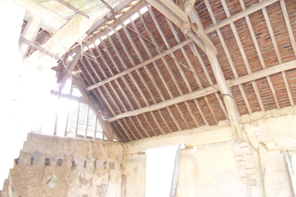 Maison et Grange PROCHE MAINTENON