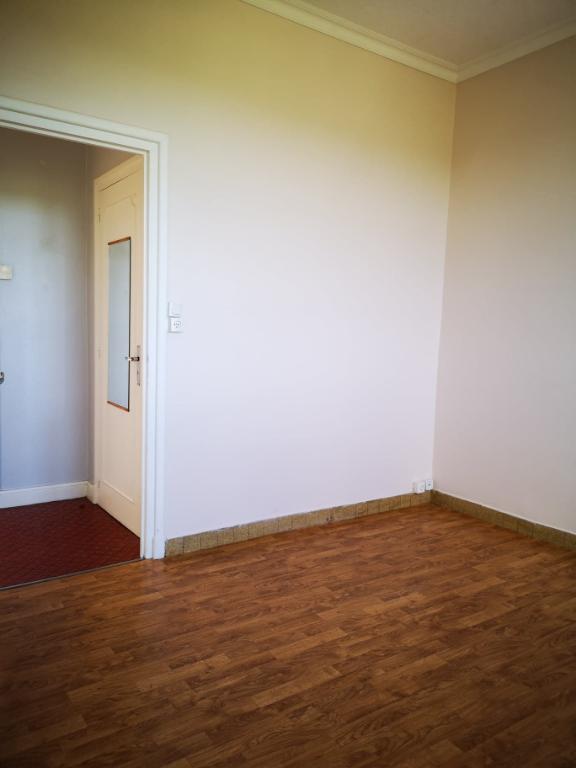 Appartement de type F3 (2 chambres)  centre ville