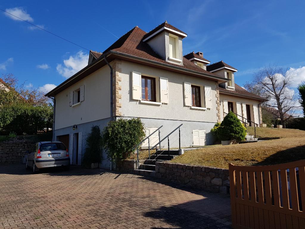 Maison Neris Les Bains 5 pièce(s) 222 m2