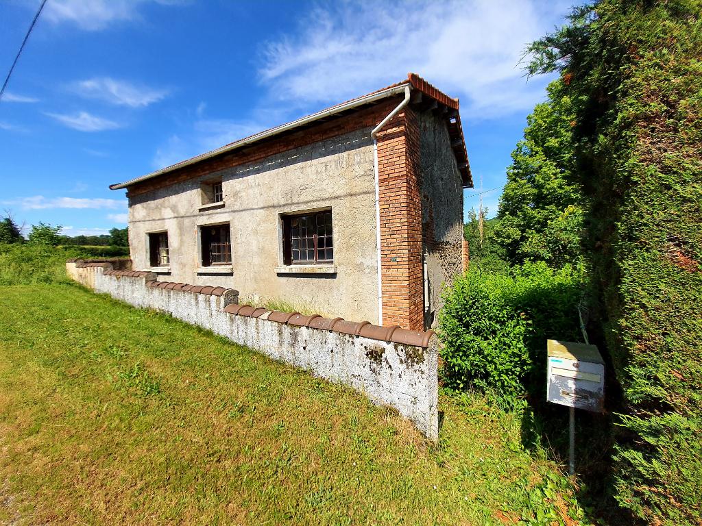 Maison à vendre entre Montluçon et Saint Eloy Les Mines.