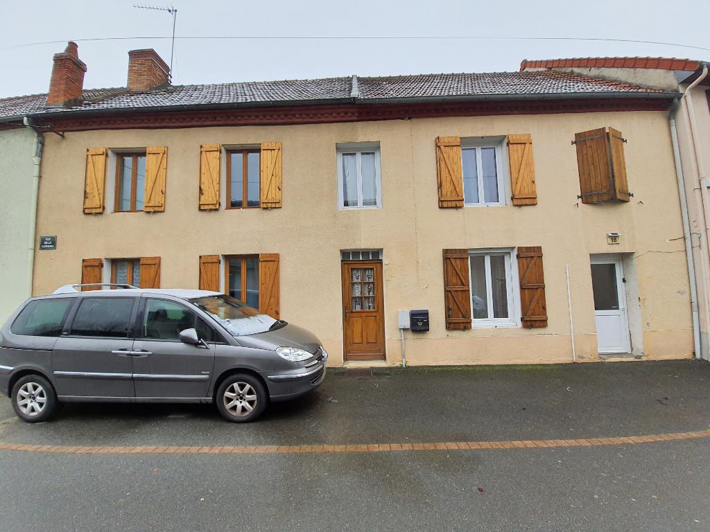 Maison Commentry 9 pièce(s) 245 m2