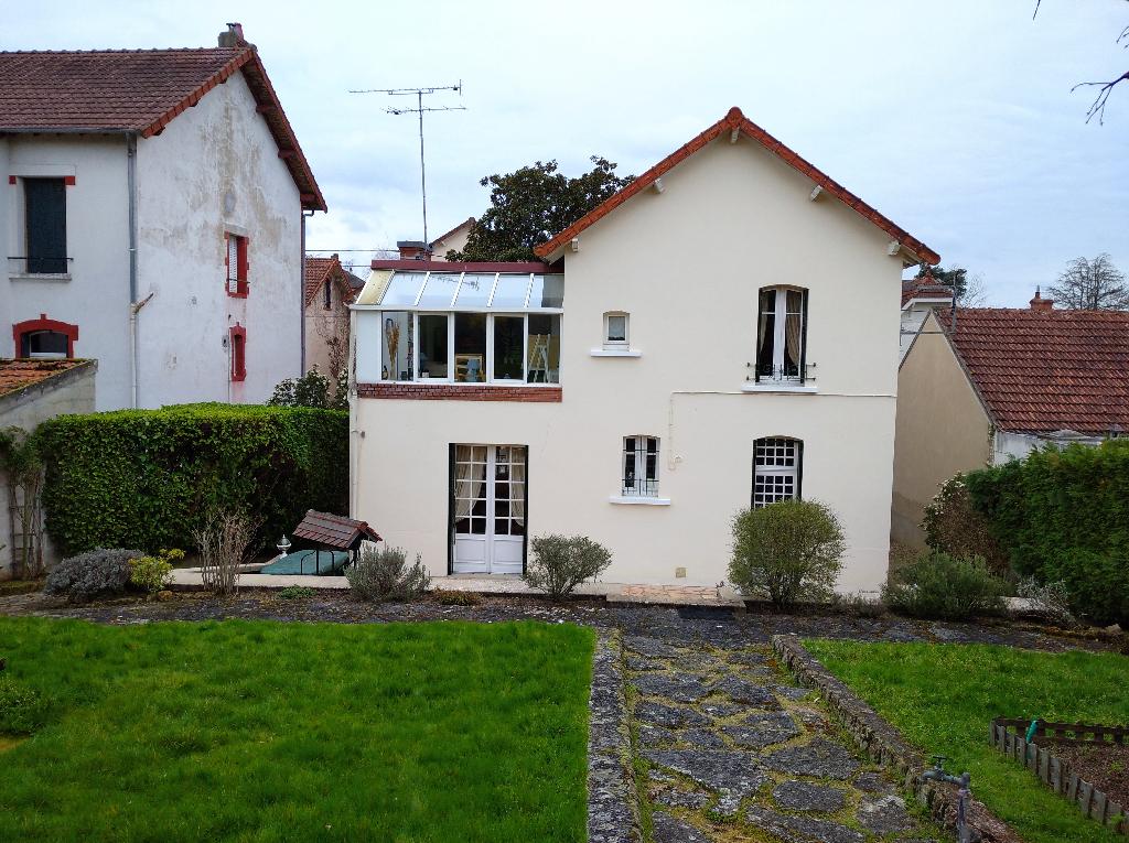 Maison Montlucon 5 pièce(s) 121.91 m2