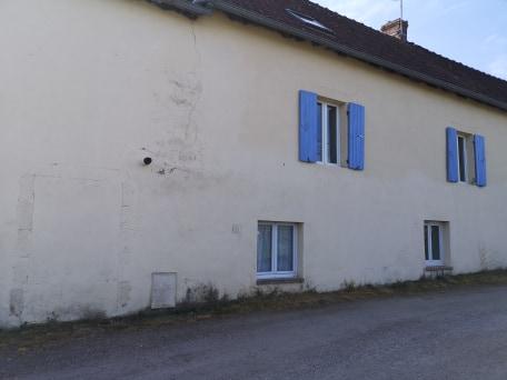 Maison et grange à Montvicq 5 pièce(s)