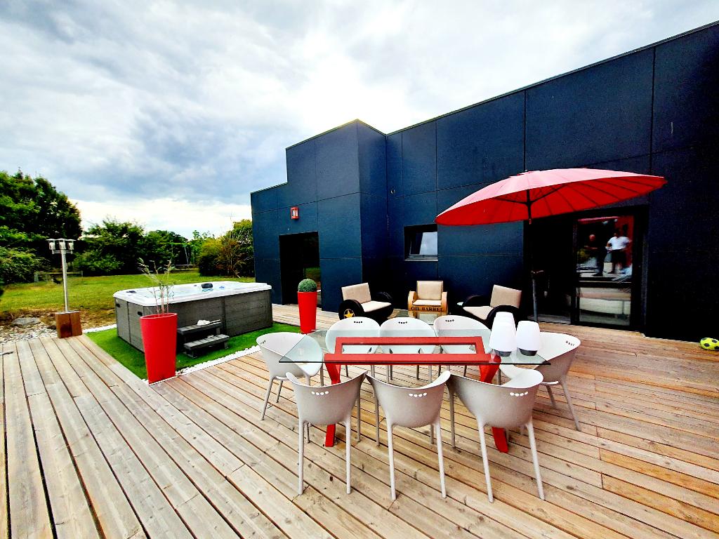 Villa Contemporaine 6 pièce(s) 245 m2