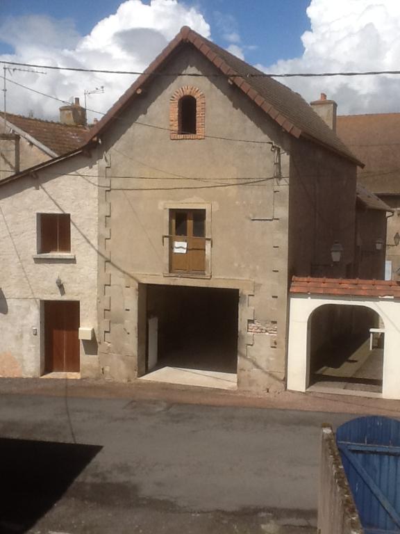 Bâtiment/ Garage Jaligny Sur Besbre