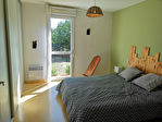 Maison contemporaine - 5 chambres - 2 salles d'eau - piscine sur env. 5 000 m² de terrain