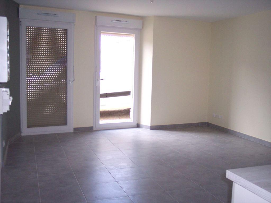 A louer Appartement HEVILLIERS 83m² 450 3 piéces