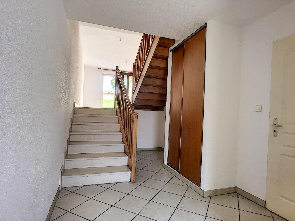 A louer Maison VILLE ISSEY 146m²