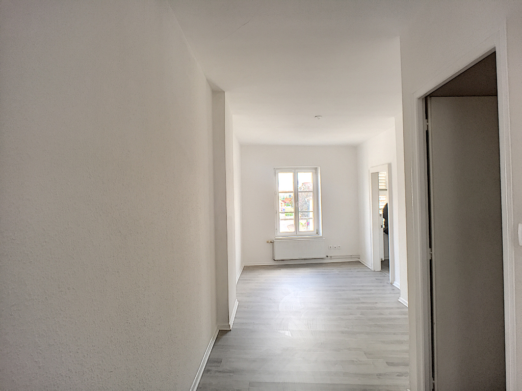 A louer Appartement COMMERCY 82m² 400