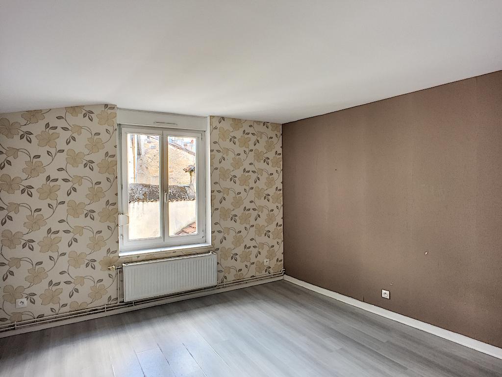 A louer Appartement COMMERCY 400 4 piéces