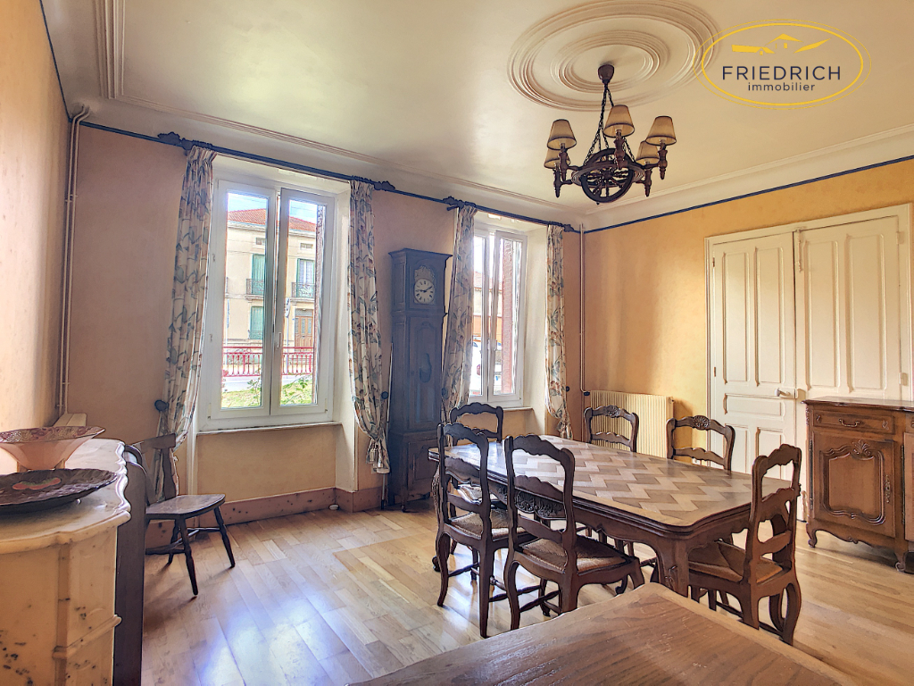A vendre Maison LACROIX SUR MEUSE 140.000 6 piéces