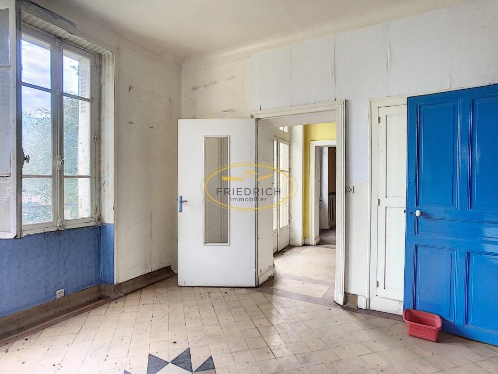 A vendre Immeuble COMMERCY 640m² 22 piéces