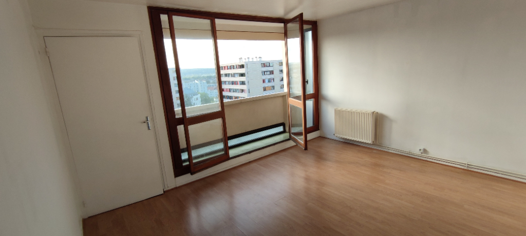 Appartement 2 pièces rue Maryse Bastié