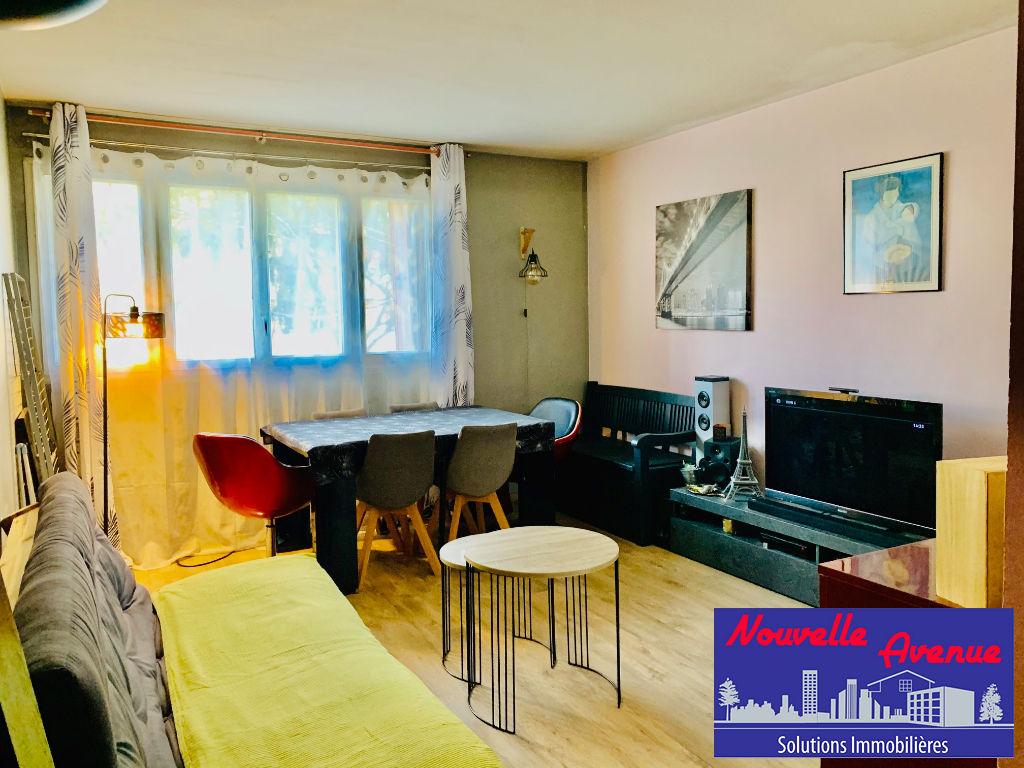 Neuilly Sur Marne Appartement 1 pièce 32 m2
