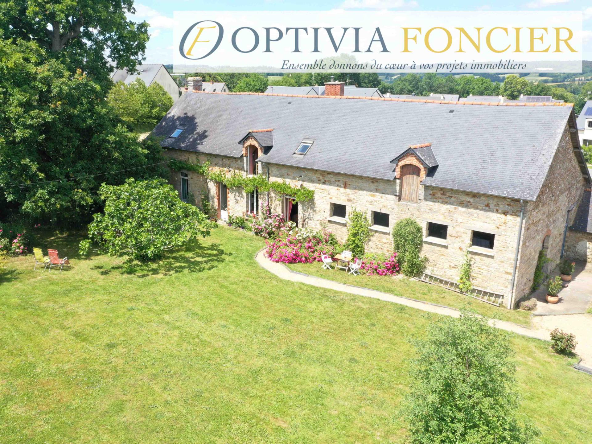 Propriété T7 Bourg des Comptes 200 m² Terrain 2500 m²