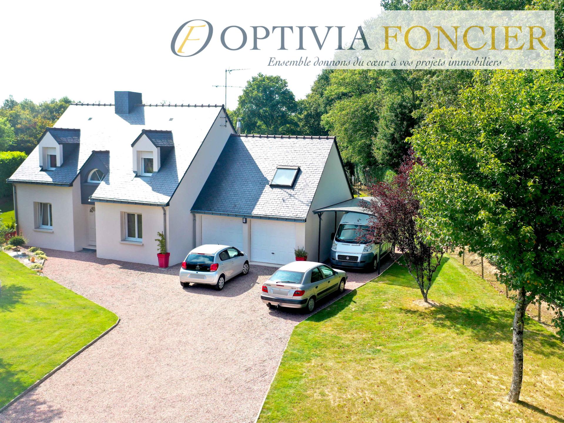 Maison T6 117 m² Guichen en sortie de bourg 900 m² de terrain (Emplacement premium sans nuisance et avec double garage et carport)