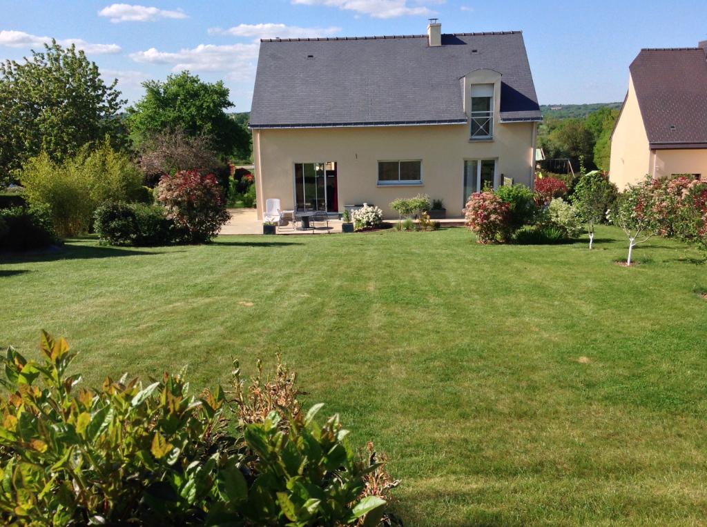 Maison T6 sur sous-sol (2008) Guignen 140 m² - 1 485 m² de terrain