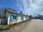 Maison de garde-barrière à vendre + pré + bois